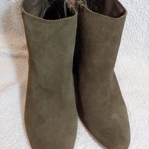 NWT ALDO suede ankle boots US 7